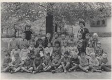 école des filles , Maternelle,  année scolaire  de 1960 (les autres étaient a la maternelle à coté