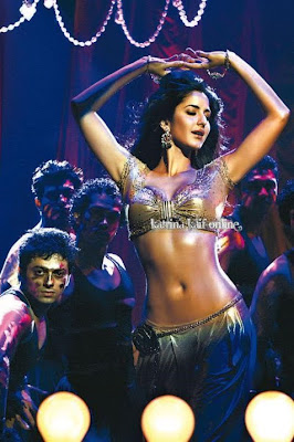 Katrina Kaif's HOT Belly Dance In Sheela Ki Jawani Item Song