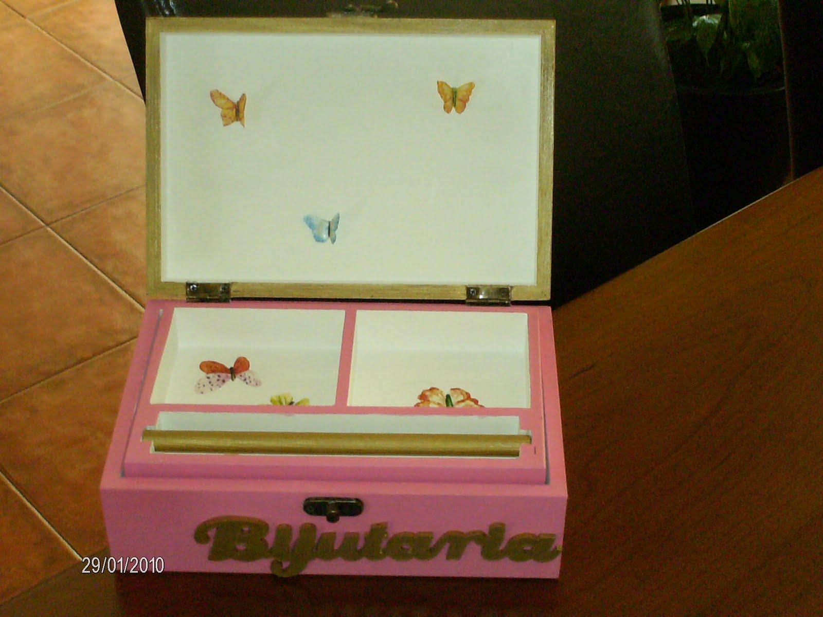 Caixa de bijutaria ref: cx2bij Caixa em madeira pintada á mão e  #301C04 1600x1200