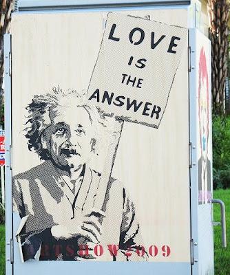 einstein ilmuwan cinta