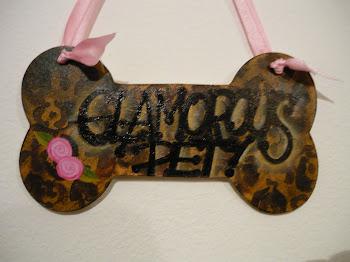 "CARTEL HUESITO ""GLAMOROUS PET"""