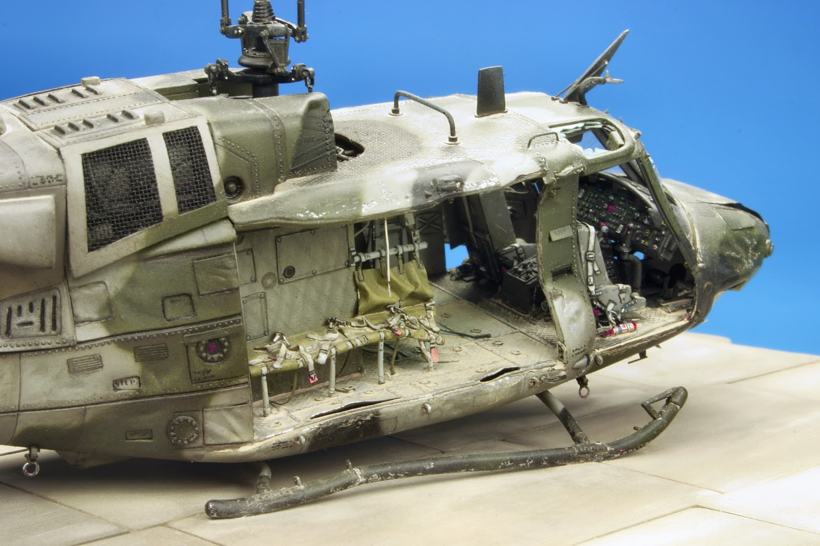 miniature helicopters with Huey Down Work Italeri 172 on ZG in addition Nordiccon 2012 Part 1 moreover Huey Down Work Italeri 172 in addition 331859066263274106 furthermore kyosho    mon image.