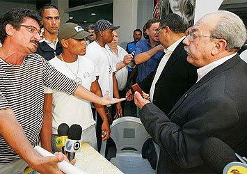 Confusão na Assembléia do Bahia