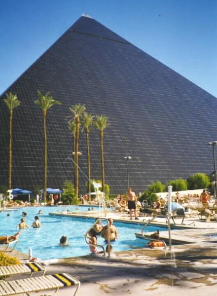 Durango Roadtripping Staying At The Las Vegas Koa 6 Motel Excalibur Luxor Treasure Island