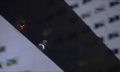 Video de bicicletas BMX con luces de neon para comercial