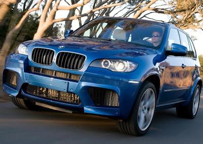 BMW lança os crossovers X5M e X6M no Salão do Automóvel de Nova York