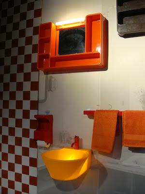 salle-de-bains orange