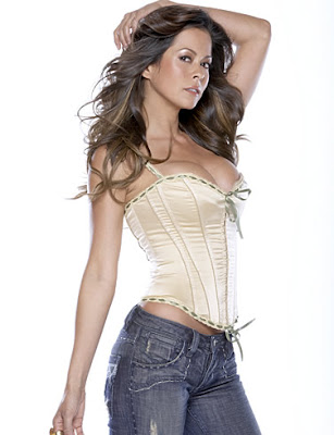 Brooke Burke Sexy Pictures