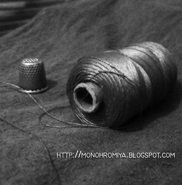 нитки, наперсток, шитье
