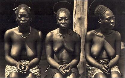 Femmes Mangbetu. L'afrique qui disparait (Casimir Zagourski)