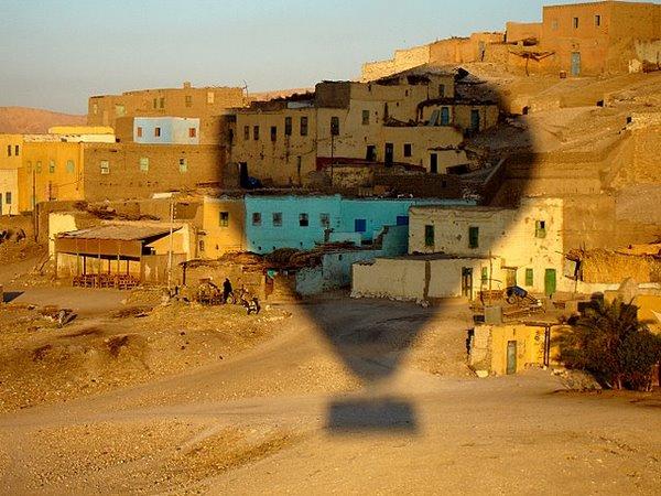 Casas anteriores a de Deir Medina