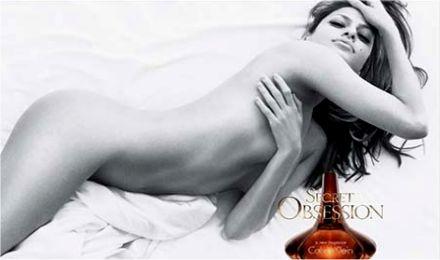 Eva Mendes nuda