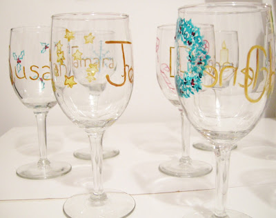 DIY Christmas craft, easy Christmas craft, Wine Glass painting, Wine Glass project, baked paint, painting glass, how to paint wine glasses, paint and bake, Christmas place settings, Christmas wine glass tags