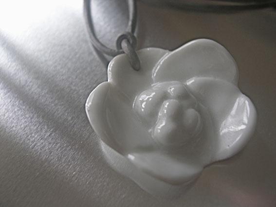 fleur en porcelaine