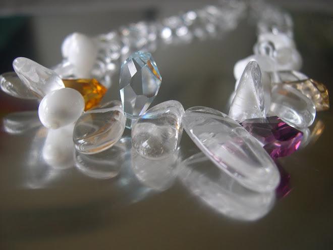 cristal de roche, coquillage, et swarovski