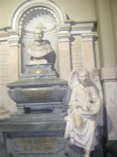 Resultado de imagen de tumba fray luis de Bolaños