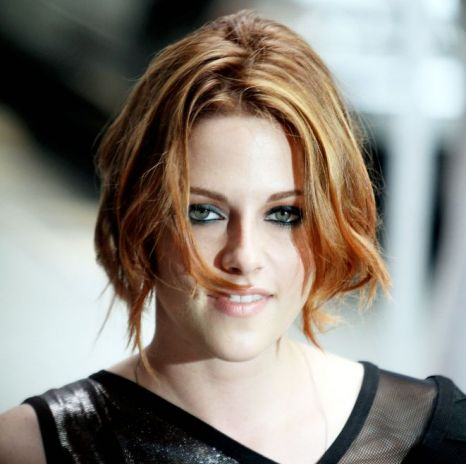 kristen stewart hairstyles twilight. kristen stewart haircut in