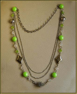 75 fıstık yeşili boncuklar ve gümüş rengi aparatlar