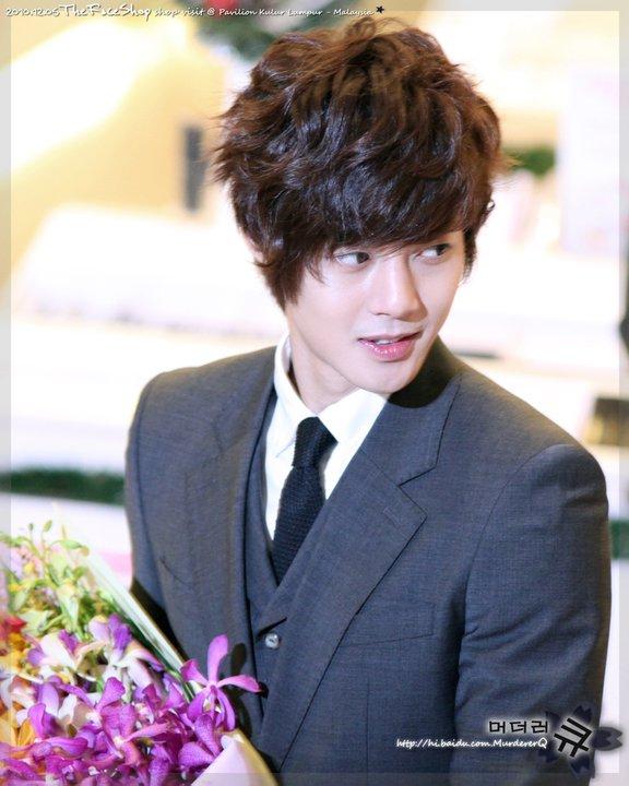 he's mine. kim hyun joong :)