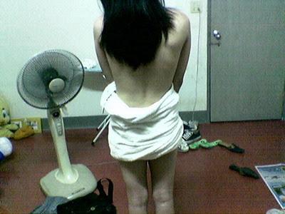 http://1.bp.blogspot.com/_-QzHaHjalQY/SjuHv4fgCiI/AAAAAAAACtI/6_NmRAUKl-w/s400/aneh.jpg