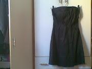 Vestido Preto. Vestido tecido acetinado de R$40,00. Usado. Tamanho 38 (vestido preto r$ )