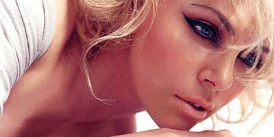 Ensaio sensual de Charlize Theron