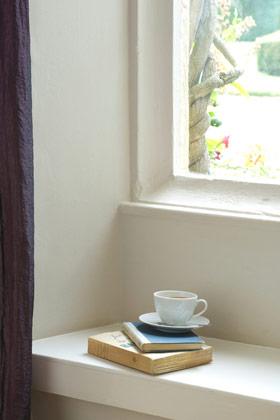choosing white paint part 4 the designer insider. Black Bedroom Furniture Sets. Home Design Ideas