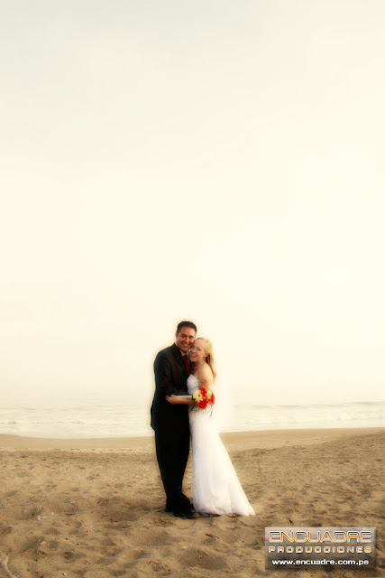 foto boda novios playa chorrillos lima peru