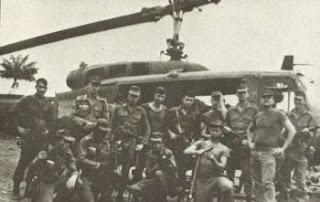 Militares armados na guerra do Araguaia