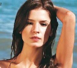 Maggie Emma Thomas