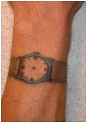http://1.bp.blogspot.com/_-dO9crHtyPY/SClAmbGEfcI/AAAAAAAADdc/jhJ2AgjpEQE/s400/tatuagem-tosca-relogio.jpg