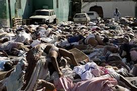 los muertos se apiñan en las calles de Puerto Príncipe