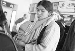 fotografía reciente de margarita terán cuyas hermanas y cuñado guardan detención carcelaria