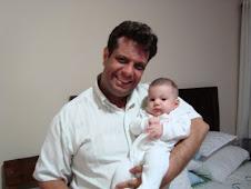 feliz con su retoño Gabriel Dabura y nuestra sobrina nieta Rebeca