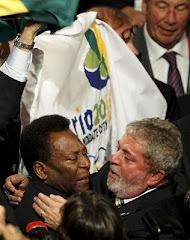 histórica foto que muestra a Pelé llorando con Lula