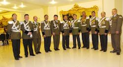 tomada en los salones del Club Social de Cochabamba, los coroneles en mandos medios