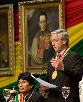 un acierto de los organizadores. por fin aparece Simón Bolívar el padre de la Patria