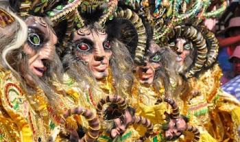 se están introduciendo máscaras de goma de otros países como éstas que son extrañas