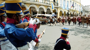 reconstruyendo la historia. los rebeldes se toman la plaza principal en Cochabamba