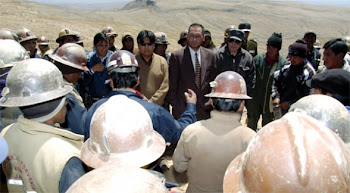 al tercer día del conflicto en la mina Porvenir de la zona de Japo se celebró una reunión