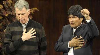 qué curioso el padre Pérez de los jesuítas hace jurar a Evo ante Fides Canal católico que no robará