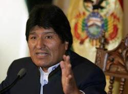 Cáceres dijo que el 35%, Evo mejoró la cifra el 40% de la coca se a la cocaína