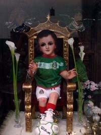 Niño futbolero