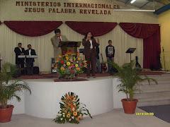 Pastores AIDA Y JULIO ORTIZ