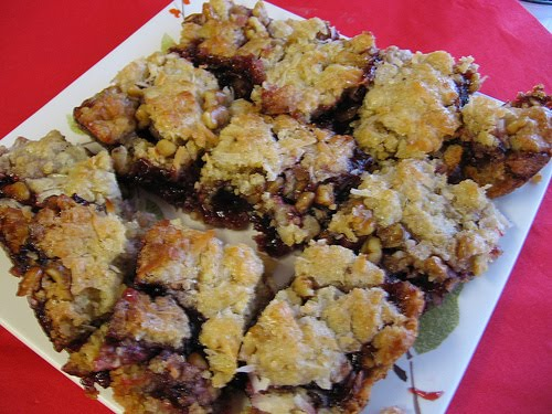 ... Passover Recipes: Raspberry Squares, Honey Nut Cake, & Matzah Crack