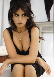 Monica Cruz Cleavage in ELLE Spain