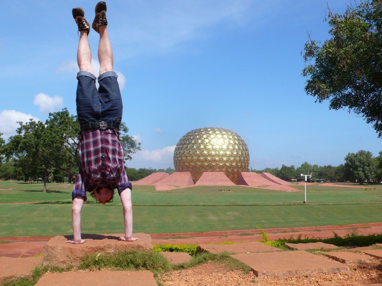 [Matrimandir+Auroville+India+2009.JPG]