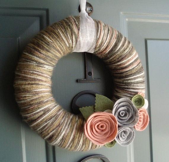 Itzfitz yarn wreath