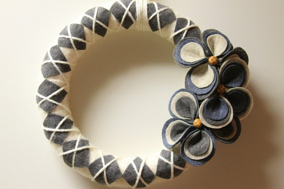 Whyonwhy yarn wreath