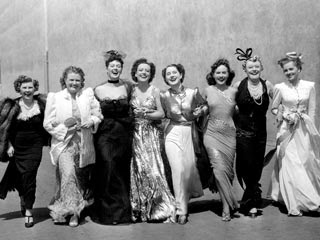 http://1.bp.blogspot.com/_-m_z_lcxZo0/Si9r-ft2gUI/AAAAAAAABcQ/zUw174DzZcU/s320/the-women-1939_l.jpg